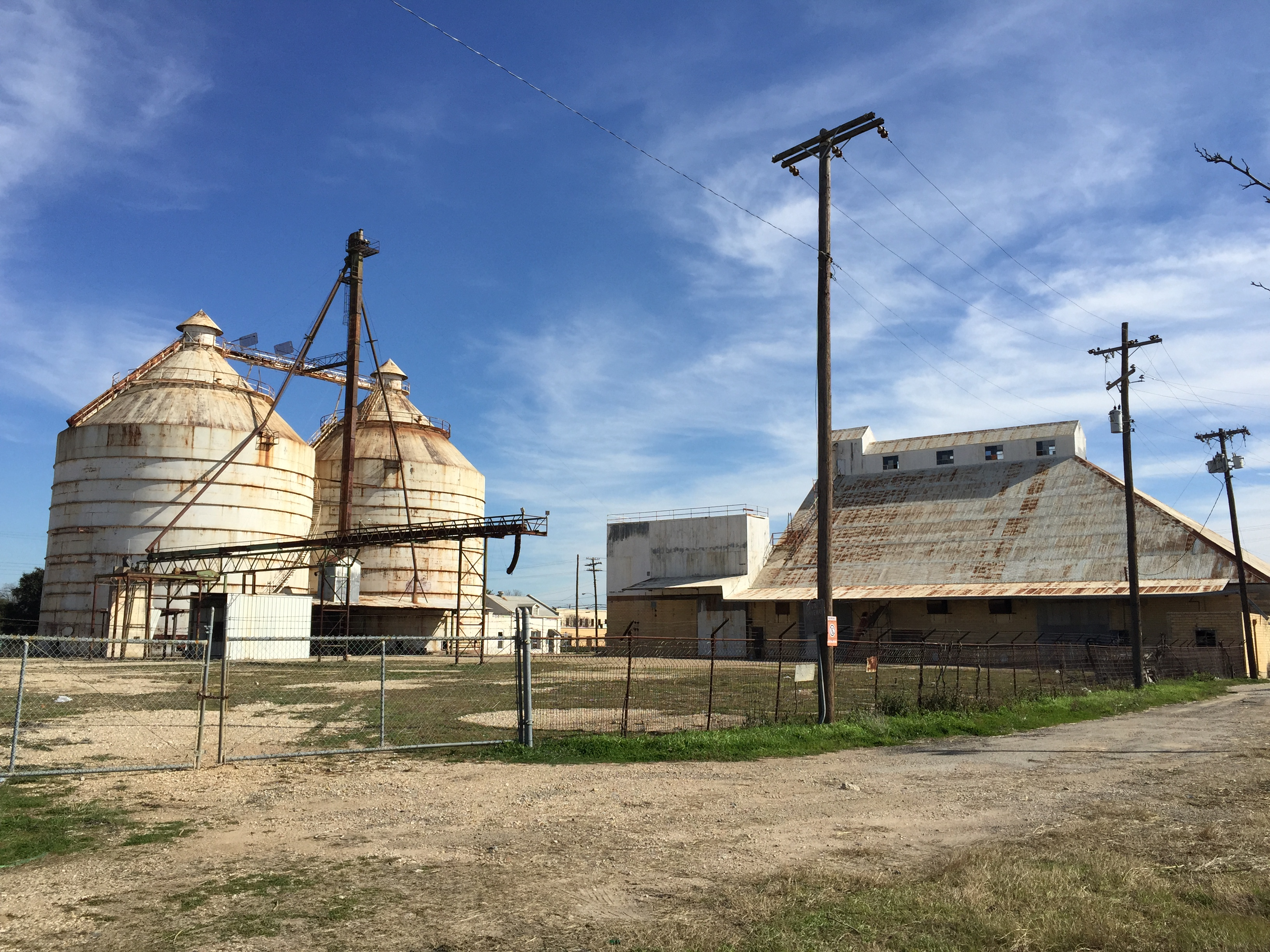 Magnolia homes waco texas silos