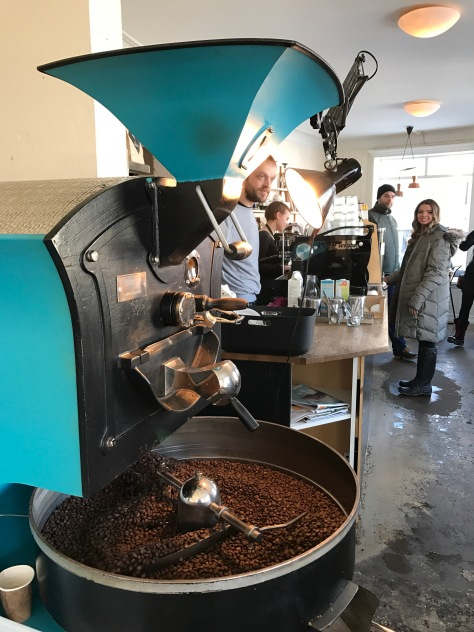 Fresh ground coffee at ‪Reykjavik Roasters