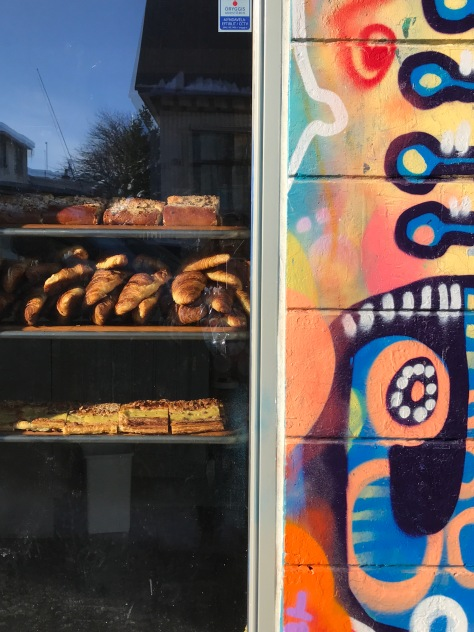 Fresh made bread and pastries at colorful ‪Braud & Company